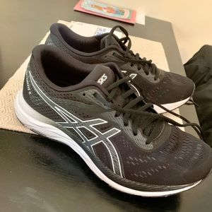 Asics black running shoes